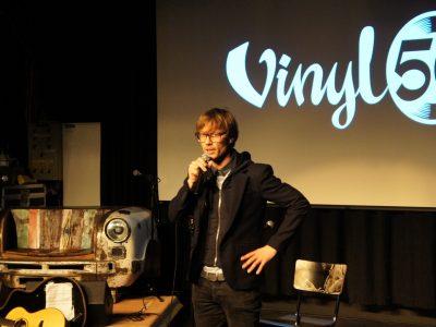 Giel Beelen tijdens Vinyl 50. Foto door Pressrecord