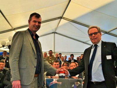 wethouder Pieter Kos van Den Helder (Rechts) Piet-Hein Kolff (Algemeen Directeur PoDH). Foto: PressOffshore.