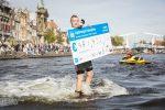 Overhandiging Cheque Swim to Fight Cancer Haarlem (foto door Renata Jansen)
